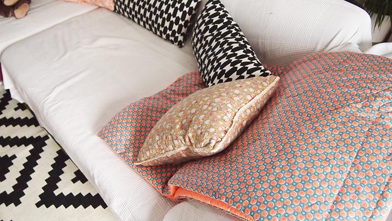 le parfait petit plaid. Black Bedroom Furniture Sets. Home Design Ideas