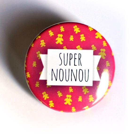 pins-badge-38-mm-super-nounou-3005997-nounou-59540_570x0