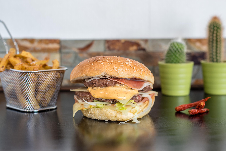 Mon burger chez O Fait Maison et AlloResto ! | MllePaul - Décoration d'intérieur
