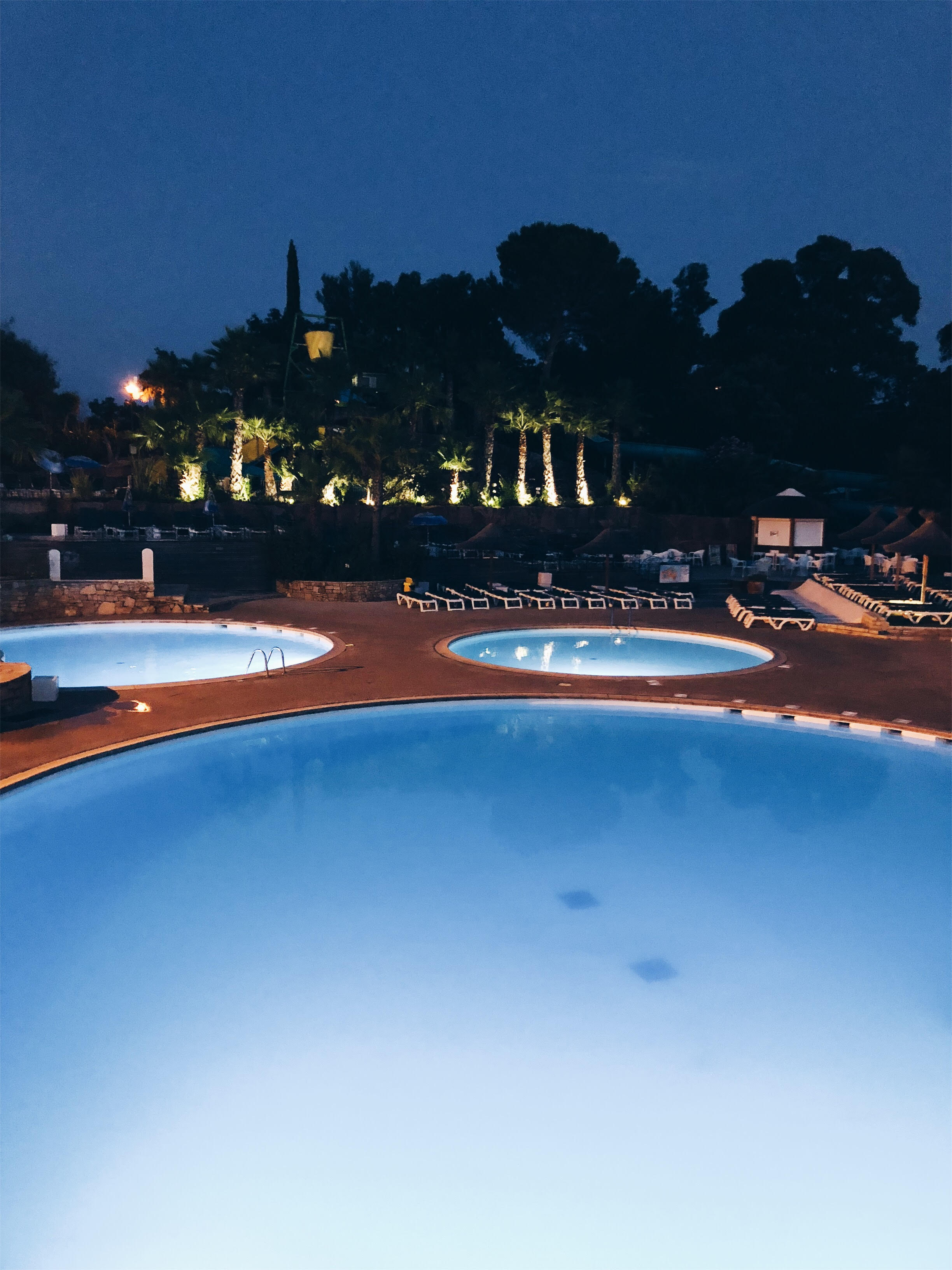 camping-saintraphael-piscine
