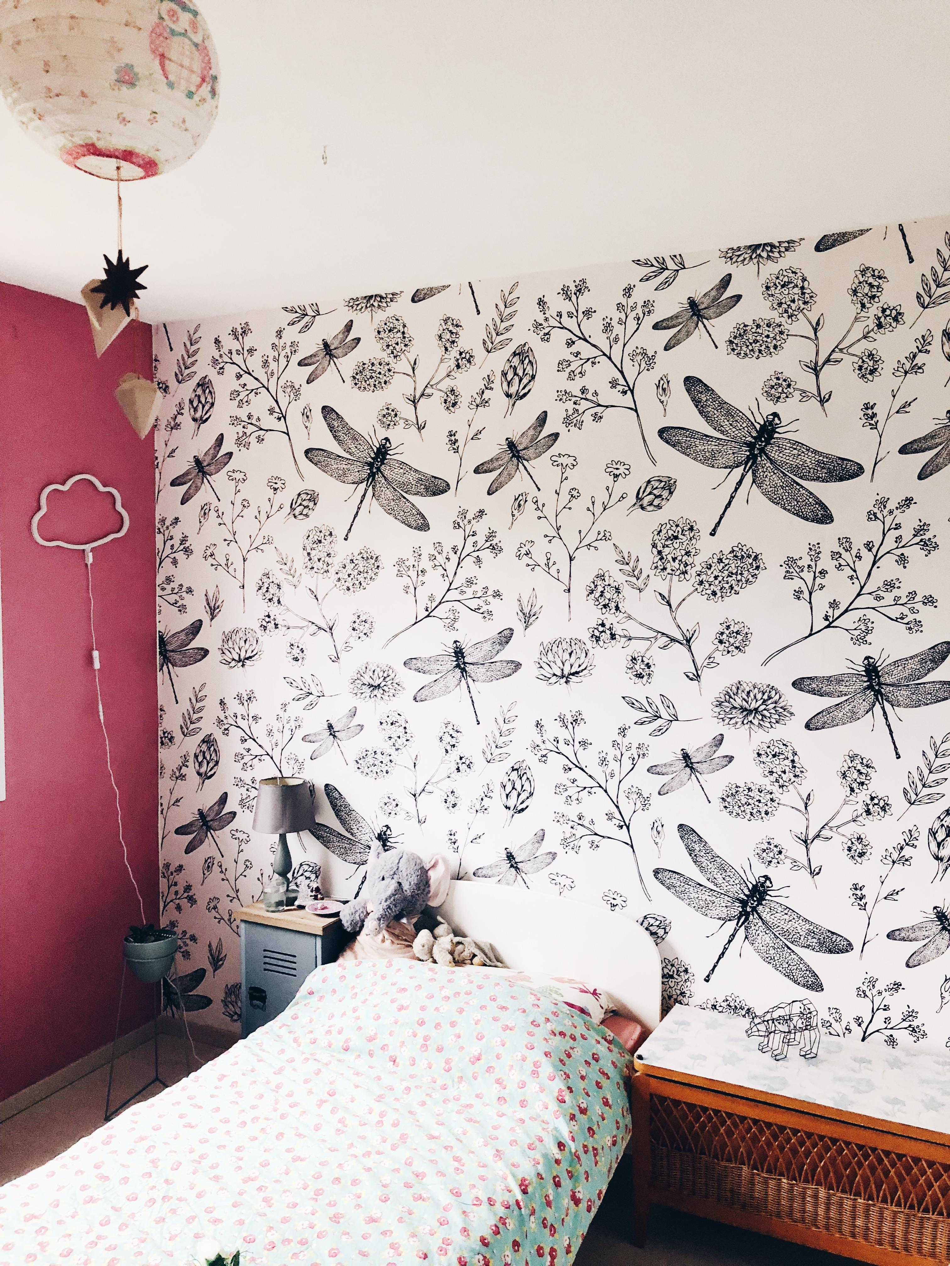 Une fresque murale végétale dans sa chambre de petite fille
